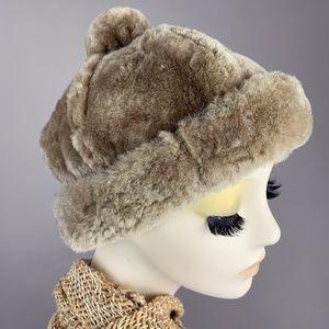 Vintage 1960s Tan Sheepskin Shearling Fur Pom Hat